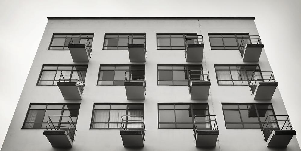 Bauhaus building prellerhaus studio building bauhaus for Replica bauhaus